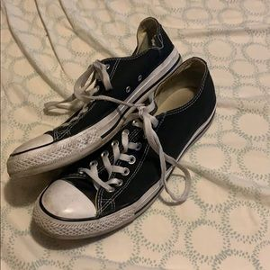 Men's size 10.5 black chuck Taylor's converse